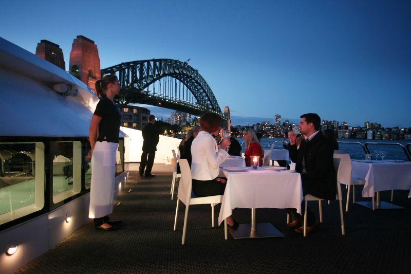 Etsitkö erityistä romanttista illallistapahtumaa?